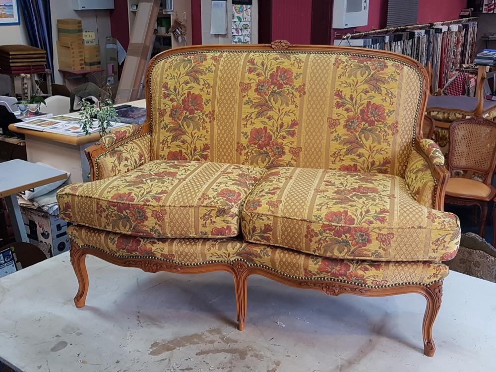 restauration canapé tapissier ameublement decorateur decoration tissu d'ameublement paimpol treguier lannion guingamp cotes d'armor bretagne