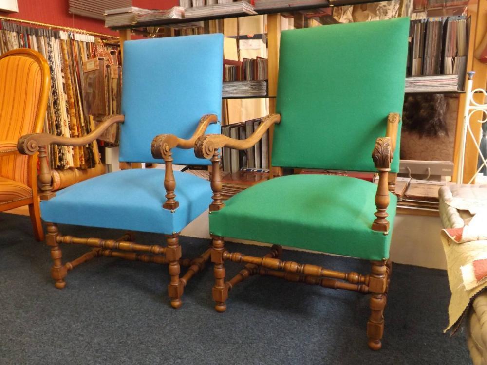 recouverture d'une paire de fauteuil Louis XIV, copie fin XIX debut XX